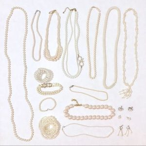 Vintage to Now Faux Pearl Jewelry Grab Bag